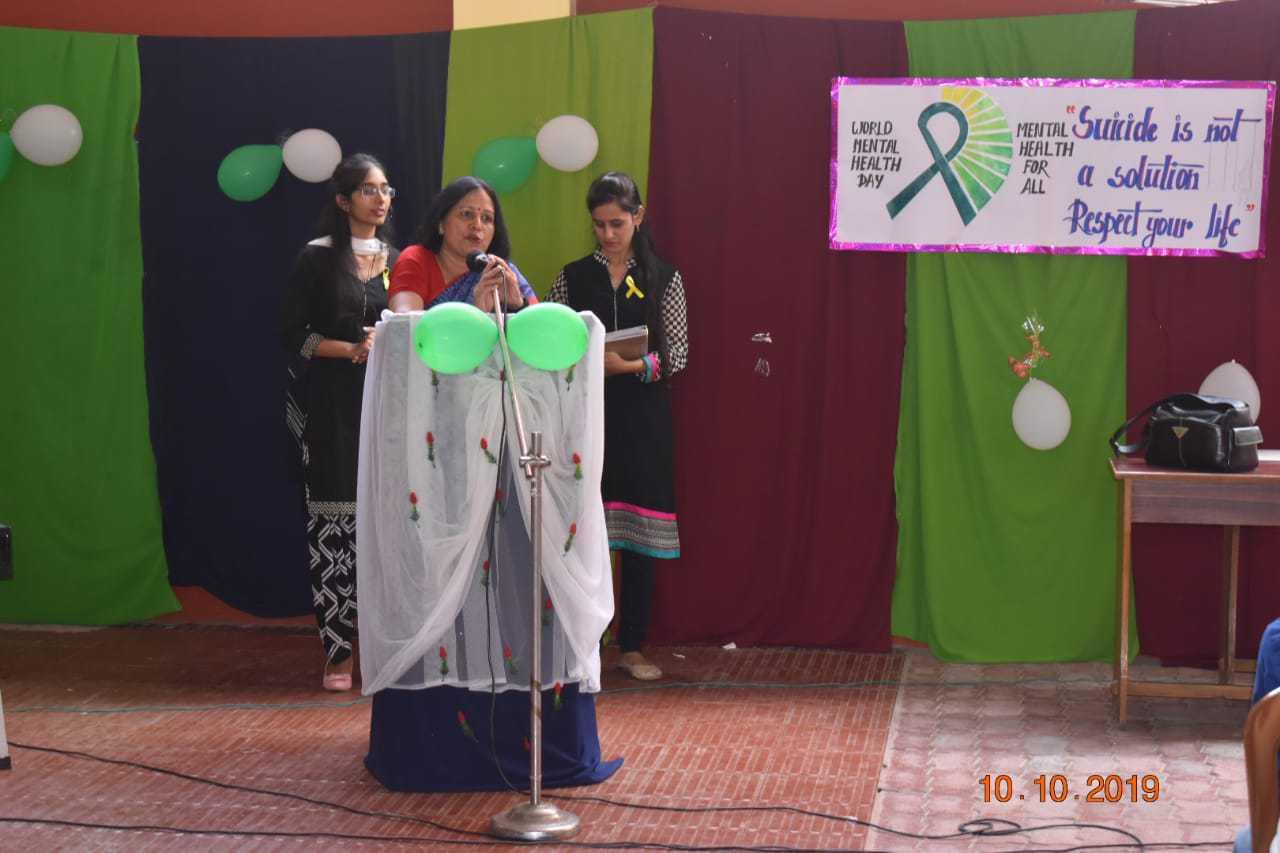 Dr-Shashi-Rai-addresing-the-Gathering-on-World-Mental-Health-Day-celebrated-at-BCM-Hospital-Khairabad